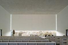 Arquitectura religiosa y minimalismo blancos, por João Luís Carrilho da Graça   Interiores Minimalistas