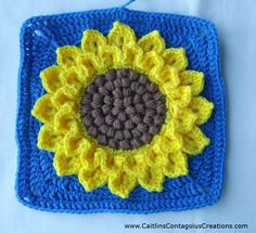 Crocodile Stitch Sunflower Square Crochet Pattern Tutorial with Pictures. This fun and easy tutorial will help you create a crochet square you can use for many things! Crochet Flower Patterns, Crochet Designs, Crochet Flowers, Crochet Ideas, All Free Crochet, Crochet Granny, Crochet Squares, Granny Squares, Crocheted Afghans