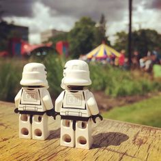 Festival Universalis #debeschaving @debeschaving #festival #party #food #drinks #outdoors #fun #starwars #starwarslegos #starwarslego #lego #legostarwars #minifigures #minifigure #stormtrooperlife #stormtrooper #iphonography #bob #365project #day190