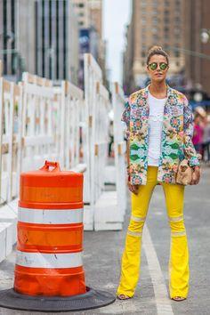 d070efcc63df1  oculos redondo   espelhado dourado Street Style From Day 5 of NYFW Nyfw  Street Style