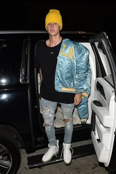 Mens Style Discover justin bieber reps his blue and gold ucla pride at dinner 09 Justin Bieber Moda Justin Bieber Outfits Justin Bieber Style Justin Bieber Pictures Justin Bieber Fashion Outfits Hombre Tomboy Outfits Cool Outfits Girl Clothing Justin Bieber Moda, Call Justin Bieber, Fotos Do Justin Bieber, Justin Bieber Outfits, Justin Bieber Style, Justin Bieber Pictures, Justin Bieber Fashion, Outfits Hombre, Tomboy Outfits