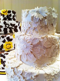 The flowers look like fabric - Ron Ben-Israel Cakes