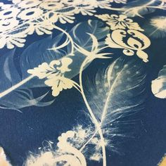 Cyanotype is a photographic printmaking process. Well, at least the way I do cyanoytpe it is! In this article I write demystify the process and share some of the fun I have been having over the past few weeks. Intaglio Printmaking, Cyanotype Process, Types Of Drawing, Sun Prints, Alternative Photography, A Level Art, Aesthetic Images, Fabric Painting, Textile Art