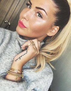 @novalanalove wearing our gold jewelry www.shop-arianeernst.com