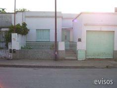 VENDO 50% INDIVISO CASA EN LUJAN, PLENO CENTRO -CASCO BASILICAL Vendo mi 50% indiviso casa, ubicado en pleno centro de Luján, consta de 4 dormitorios , 2 baños, ... http://lujan.evisos.com.ar/vendo-50-indiviso-casa-en-lujan-pleno-centro-casco-basilical-id-955970
