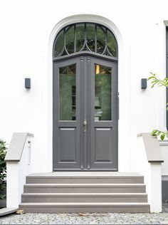 Front Porch Steps, Front Entry, Outdoor Steps, House Front, Entrance, Art Deco, House Design, Exterior, Patio
