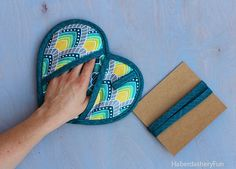 Cute heart shaped pot holder: pattern is from Martha Stewart's Encyclopedia of Sewing & Fabric Crafts
