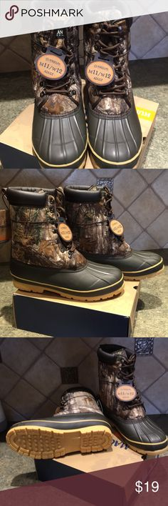Men's Insulated Hunting Boots. New, excellent condition, warmth technology. Magellan Shoes Boots