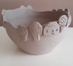 Most recent Free clay pottery bowls Popular ? Slab Pottery, Pottery Bowls, Ceramic Pottery, Pottery Art, Thrown Pottery, Ceramic Decor, Ceramic Clay, Ceramic Bowls, Cosas American Girl