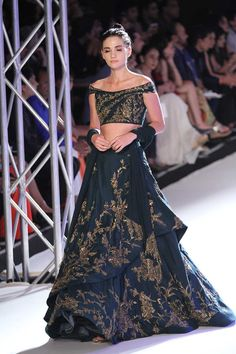 Gaurav Gupta at India Couture Week 2016 Indian Lehenga, Red Lehenga, Anarkali, Lehenga Choli, Bridal Lehenga, Indian Attire, Indian Ethnic Wear, Indian Dresses, Indian Outfits