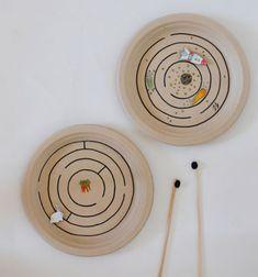 Magnet maze game from paper plates // Mágneses útvesztő papírtányérokból - rajzolt labirintus játék // Mindy - craft tutorial collection // #crafts #DIY #craftTutorial #tutorial #KidsCrafts #CraftsForKids #KreatívÖtletekGyerekeknek
