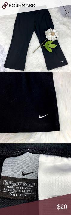 "💕SALE💕 Nike Dri Fit Capri Athletic Pants Fabulous  Nike Dri Fit Capri Athletic Pants 21"" Inseam 28"" Waist Nike Pants Capris"