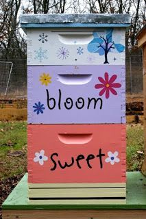 Life With the Ladniers: How To: Paint A Happy Little Bee Hive Bee Hives Boxes, Honey Bee Hives, Honey Bees, Bee Hive Plans, Raising Bees, I Love Bees, Bee House, Cute Bee, Bee Art
