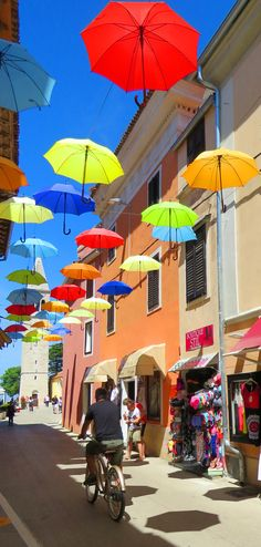 What to Do and See in Novigrad Croatia. It's not as famous as Rovinj and doesn't have the incredible historical sights of either Pula or Porec, but. Vacation Places, Vacation Spots, Places To Travel, Vacations, Dubrovnik Croatia, Croatia Travel, Umbrella Street, Umbrella Art, Novi Grad