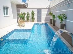Having a pool sounds awesome especially if you are working with the best backyard pool landscaping ideas there is. How you design a proper backyard with a pool matters. Small Backyard Pools, Backyard Pool Landscaping, Small Pools, Swimming Pools Backyard, Backyard Retreat, Swimming Pool Designs, Garden Pool, Outdoor Pool, Piscina Rectangular