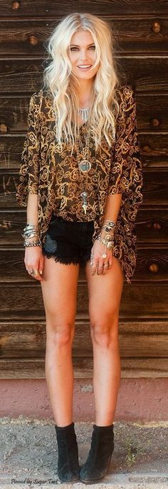 Breathtaking 38 Boho and Chic Outfit Ideas to Wear During Summer http://inspinre.com/2018/02/13/38-boho-chic-outfit-ideas-wear-summer/