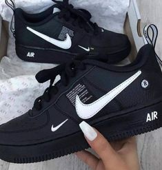 shoes - Nike Air Force 1 Utility 🔥😍 Link in Bio ☝🏼 again all sizes for men & women at the start 👌🏼 snkraddicted sneakergram prinzsportlich again force sizes start utility women Genel Moda Sneakers, Sneakers Nike, Black Shoes Sneakers, Kicks Shoes, Nike Trainers, All Black Nike Shoes, Sneakers Workout, Off White Shoes, Sneakers Style