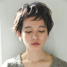 Short Haircuts for Round Face Shape // Pixie Haircut For Round Face Face haircuts Shape short Hair For Round Face Shape, Haircuts For Round Face Shape, Short Hair Cuts For Round Faces, Hairstyles For Round Faces, Pixie Cut Round Face, Shaggy Pixie Cuts, Short Pixie Haircuts, Pixie Hairstyles, Haircut Short