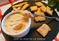 Con tu pan te lo comas: PATÉS CASEROS DE ATÚN 2 latas de atún en aceite, 1 huevo duro, 1 cucharada de queso de untar, 1 cucharada de mayonesa, 1 cucharadita de ketchup Escurrir el aceite del atun y triturar todo, meter en la nevera. Appetizer Recipes, Appetizers, Healthy Food Alternatives, Dips, Good Food, Yummy Food, Food Decoration, Kitchen Recipes, Sauce Recipes