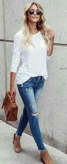 Fashion-forward Fall Outfits To Update Your Wardrobe women's white long-sleeved crew-neck shirt and distressed blue wash jeans Fashion Mode, Look Fashion, Fashion Outfits, Womens Fashion, Fashion Trends, Skinny Fashion, Fall Fashion, Fashion Tips, Fall Winter Outfits