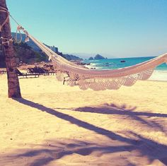 Followed by an alluring hammock. | Anna Kendrick Is On Vacation And Winning Instagram (AndTwitter)