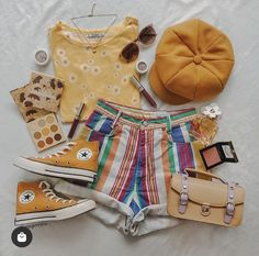 Cute Spring Outfits, Trendy Summer Outfits, Cute Casual Outfits, Girls Fashion Clothes, Teen Fashion Outfits, Retro Outfits, 90s Inspired Outfits, Queer Fashion, Hippie Outfits