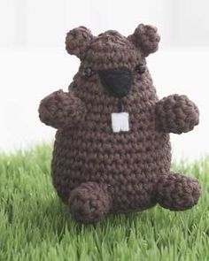 Adorable amigurumi groundhog to crochet. Perfect for Groundhog Day celebrations or year round.