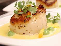 Recipe: Seared Sea Scallops with Corn Nage Scalloped Corn, Fancy Dishes, Sea Scallops, Fish And Seafood, Make It Simple, Sweet Tooth, Favorite Recipes, Breakfast, Ethnic Recipes