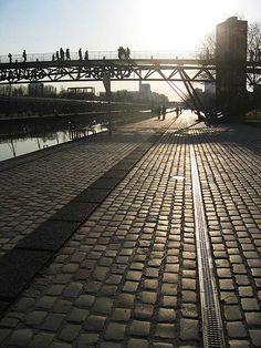 Canal de l'Ourcq, Parc de la Villette, Paris XIX