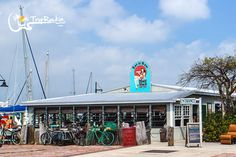 Top 5 Key West Happy Hours to Fill You Up Many of us think of Happy Hour as the slow down part of the day, but in Key West it's just the beginning of a fantastic evening. It seems most Key West bars offer happy our drink specials, but only a few offer great food …