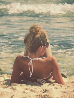 Top knot for a beautiful beach day.