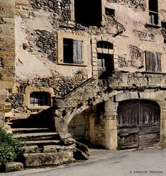 An old abandoned stone house in the picturesque small village of Saint Eulalie d' Olt in Central France. Old Stone Houses, Architecture, Abandoned, Images, Sad, Romance, Inspiration, Ideas, Countries