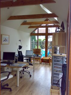 garden office designs interior ideas. garden office interior shot wwwgardenlodgescouk designs ideas i