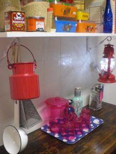 O aparador da cozinha antes e depois das prateleiras