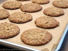 Farmgirl Fare: Recipe: Soft and Chewy Oatmeal Coconut Cookies Made with Unsweetened Coconut Oatmeal Coconut Cookies, Oatmeal Cookie Recipes, Cookie Desserts, Sweet Desserts, Cookie Bars, Good Food, Yummy Food, Yummy Yummy, Tasty