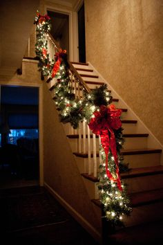 Traditional Staircase Garland, by the Perfect Affair