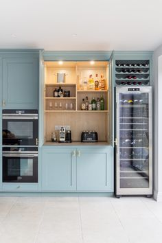 A nutritional therapist's dream kitchen - Sola Kitchens Kitchen Appliance Storage, Kitchen Appliances, Kitchens, Appliance Garage, Oval Room Blue, Study Nook, Kitchen Colour Schemes, New Kitchen, Kitchen Ideas