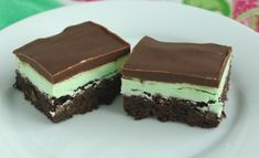 Thin Mint Brownies - Dashing Desserts #recipe