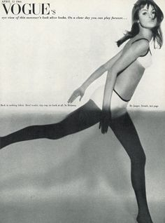 Jean Shrimpton by Brian Duffy for Vogue UK, April 1966 Brian Duffy, Jean Shrimpton, Seventies Fashion, Vogue Uk, Portrait Photographers, Supermodels, Girl Fashion, Beachwear, Swimwear