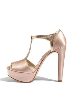 And my shoe addiction continues....LOVEEEEE!