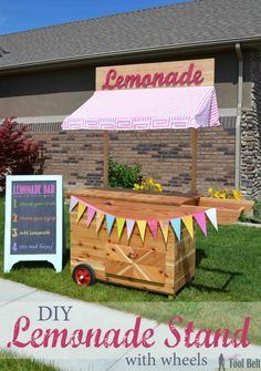 Build the cutest Lemonade Stand on the block and it's even on wheels!  This lemonade cart would be so cute for an outdoor wedding or party, free plans.