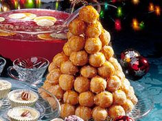 Out of creative ideas this holiday season? How about a Christmas tree...made of doughnuts? It's a crazy idea, but we think it works!