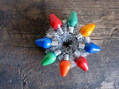 Old Time Ornament Wreath Made From Vintage Christmas Light Christmas Tree Light Bulbs, Vintage Christmas Lights, Colorful Christmas Tree, Old Christmas, Vintage Ornaments, Diy Christmas Ornaments, Handmade Christmas, Christmas Decorations, Christmas Kitchen
