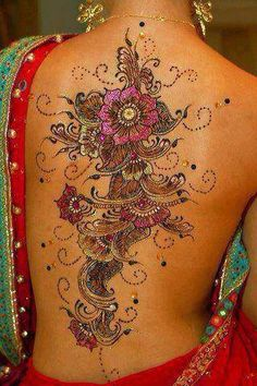 Henna Tattoo Designs - Top 40 Designs and Ideas for Henna Enthusiasts Henna tattoo pictures, drawings and many drawings! Amazing henna art you have to see! Find out why henna is more popular than tattoos! We can hear wha. Mehndi Designs, Henna Tattoo Designs, Henna Tattoo Bilder, Henna Tatoos, Mehndi Tattoo, Henna Art, Henna Mehndi, Mehndi Art, Tattoo Ideas