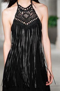 Ralph Lauren Fall 2016 Ready-to-Wear Fashion Show Details Fashion 2020, High Fashion, Fashion Show, Fashion Design, Mori Mode, Boho Outfits, Fashion Outfits, Macrame Dress, Mori Fashion