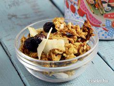 Karácsonyi házi müzli - Receptek | Ízes Élet - Gasztronómia a mindennapokra Granola, Acai Bowl, Snacks, Cookies, Meat, Chicken, Breakfast, Cake, Ethnic Recipes