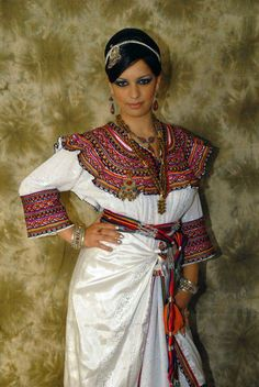 la robe kabyle , the berber traditional outfit