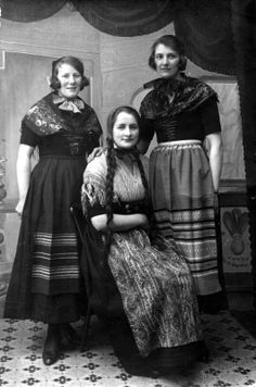 Nordic Thoughts: Young Faroese women in national costumes (and I thought I had long braids!)