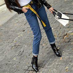 #fashionblogger @marilia_fra with Metropolis #tote #bag #janisleenewyork #madeinnyc #designer #handbag #handmade #madeinny #fashion #blogger #style #streetstyle #design
