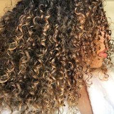 Curls: @tylauren